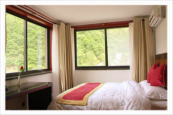 The Mountain in Shansi character and style hotel looks at the scenery the anteroom for 498 Yuan/days (including breakfast)